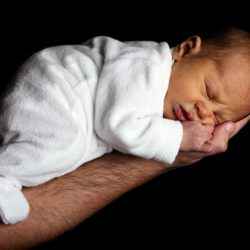 Психологи: недосыпание делает человека склонным к риску