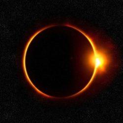 Спутник NASA заметил Черное Солнце Раху во время затмения