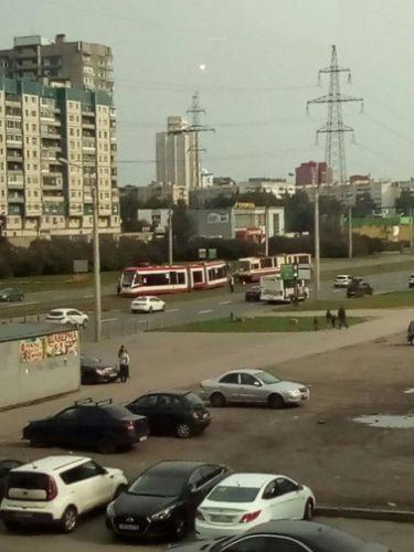 Новые трамваи в Питере сходят с рельс