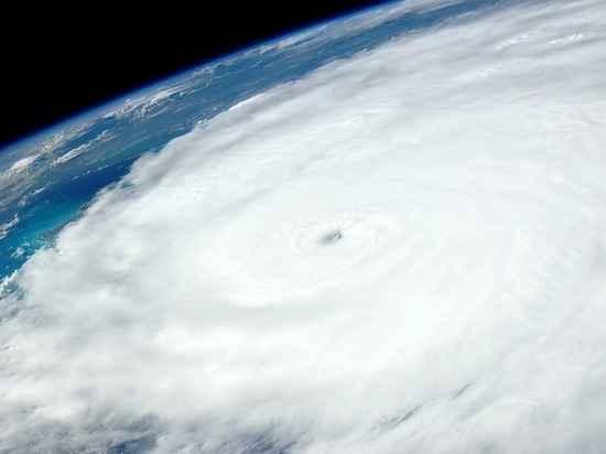 Формирование разрушительного урагана «Мария» продемонстрировали на видео