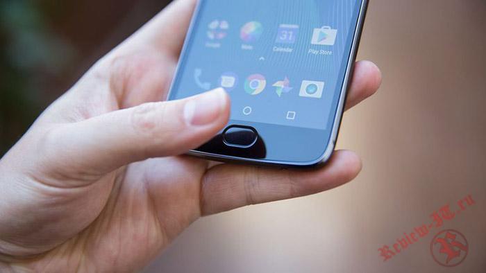 Лидером среди смартфонов по соотношению цены и качества стал Moto G5 Plus