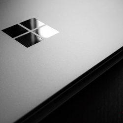 Microsoft разрабатывает складывающийся пополам планшет