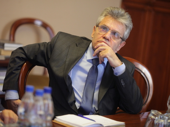 Ученым — двойные оклады: президент РАН рассказал, как вкладываться в науку