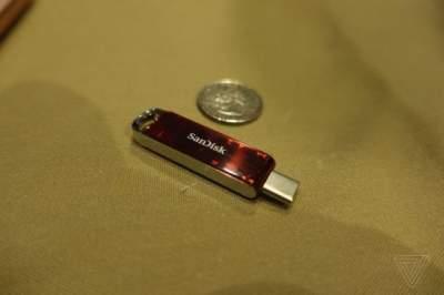 Специалисты показали самый маленький в мире флэш-накопитель