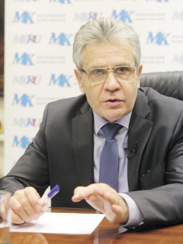 Президент РАН признал: власть повернулась лицом к науке