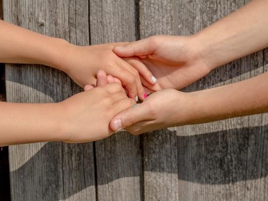 Ученые: прикосновение любимых уменьшает болевые ощущения