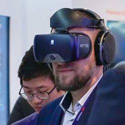 Максимально реалистично: в Испании презентовали VR-гаджет на базе 5G