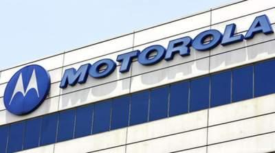 Motorola отпразнует 45-летие первого звонка «удивительными сделками»