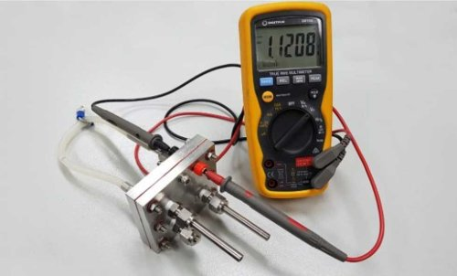 """Создан первый работоспособный прототип перезаряжаемой """"протонной батареи"""""""