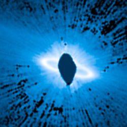 """Иконическое изображение """"звездного кольца"""", снятое космическим телескопом Hubble, является более странным, нежели считалось ранее"""