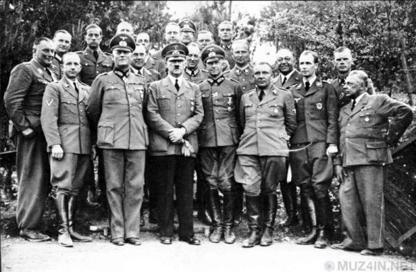 Доктор Теодор Морелль и вся правда о наркотической зависимости Адольфа Гитлера