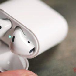 Глава компании Apple сообщил об успехе продаж наушников AirPods