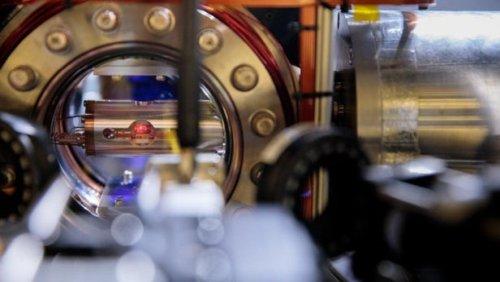 Атомы лютеция могут стать основой более стабильных и точных атомных часов следующего поколения