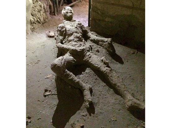 В Помпеях нашли останки мужчины, погибшего «зрелищной» смертью