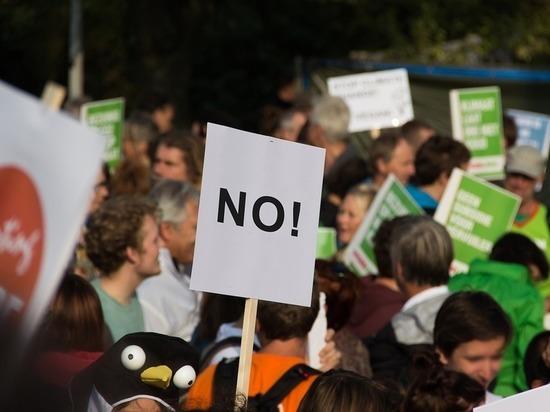 Социологи выяснили, какой процент «несогласных» способен перевернуть общество