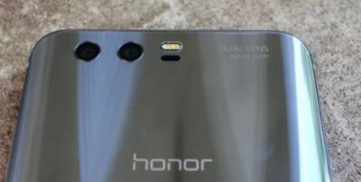 Huawei готовит к выпуску большой смартфон