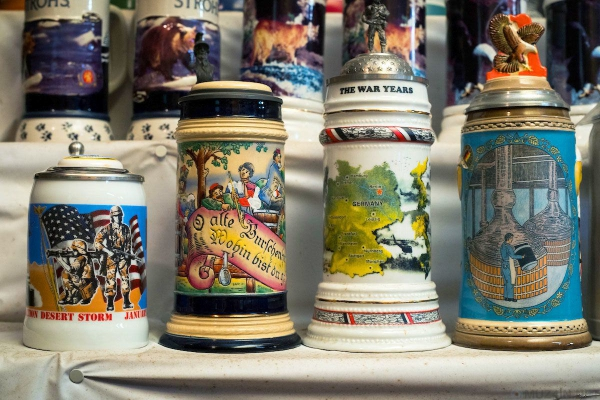 Экскурсия по частному музею пивных кружек