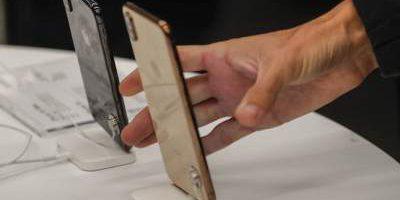 Apple сокращает производство трех моделей iPhone