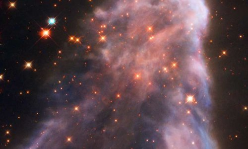 """Космический """"призрак"""", скрывающийся в созвездии Кассиопеи"""