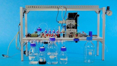 Компания Microsoft создала первое автоматическое хранилище данных на базе молекул ДНК