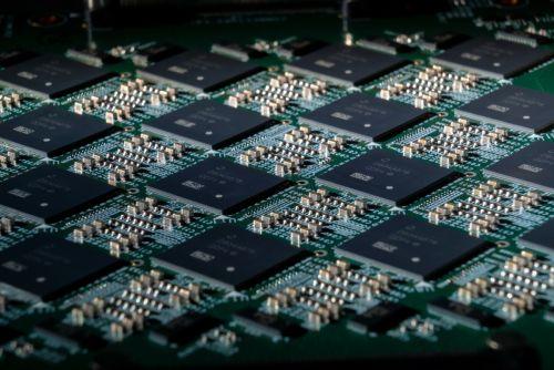 Pohoiki Springs - новый нейроморфный компьютер компании Intel, возможности которого уже соответствуют возможностям мозга мелкого млекопитающего