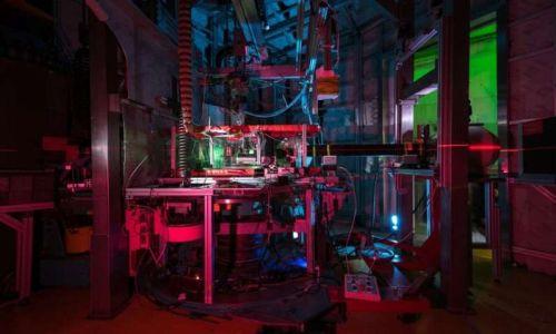 Физики обнаружили новое квантовое явление - объединение спина  и момента вращения квантовой частицы
