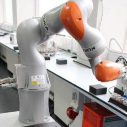 Создан автоматический робот-ученый, способный самостоятельно планировать и проводить эксперименты