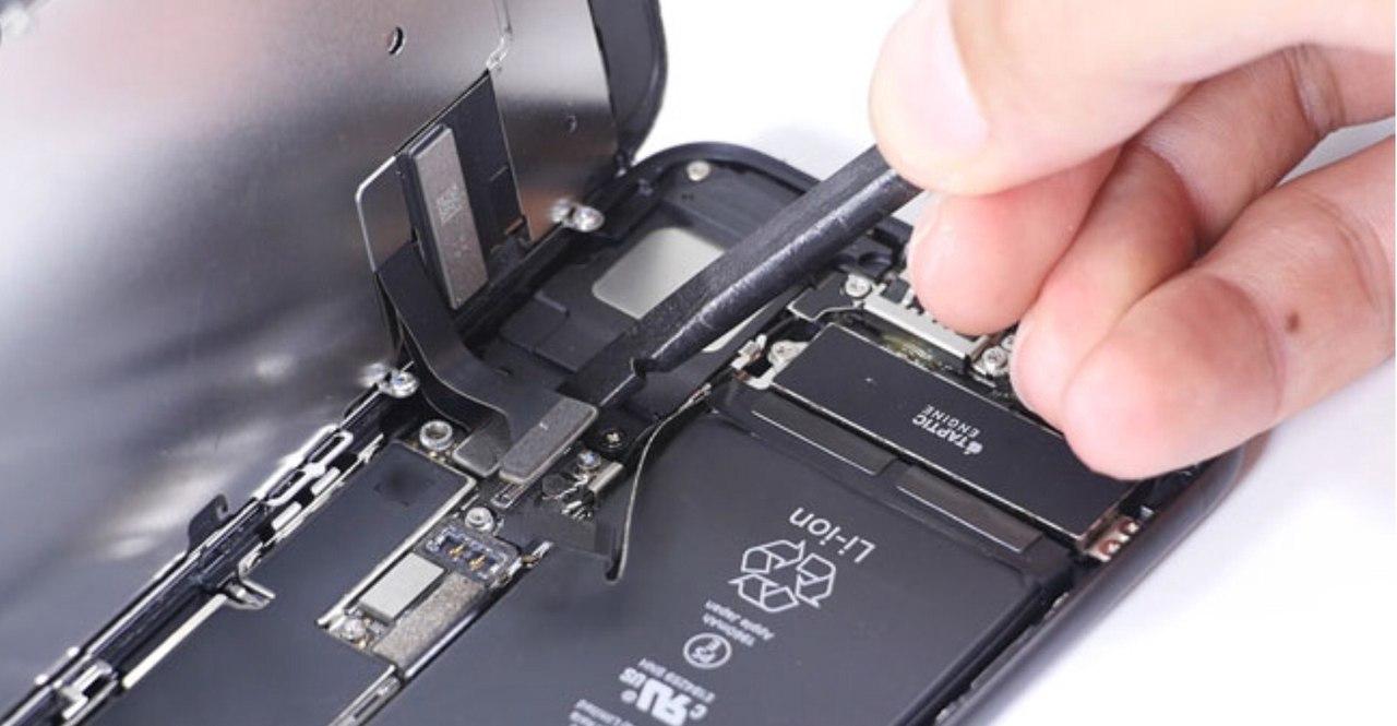 Кому доверить ремонт iPhone 7