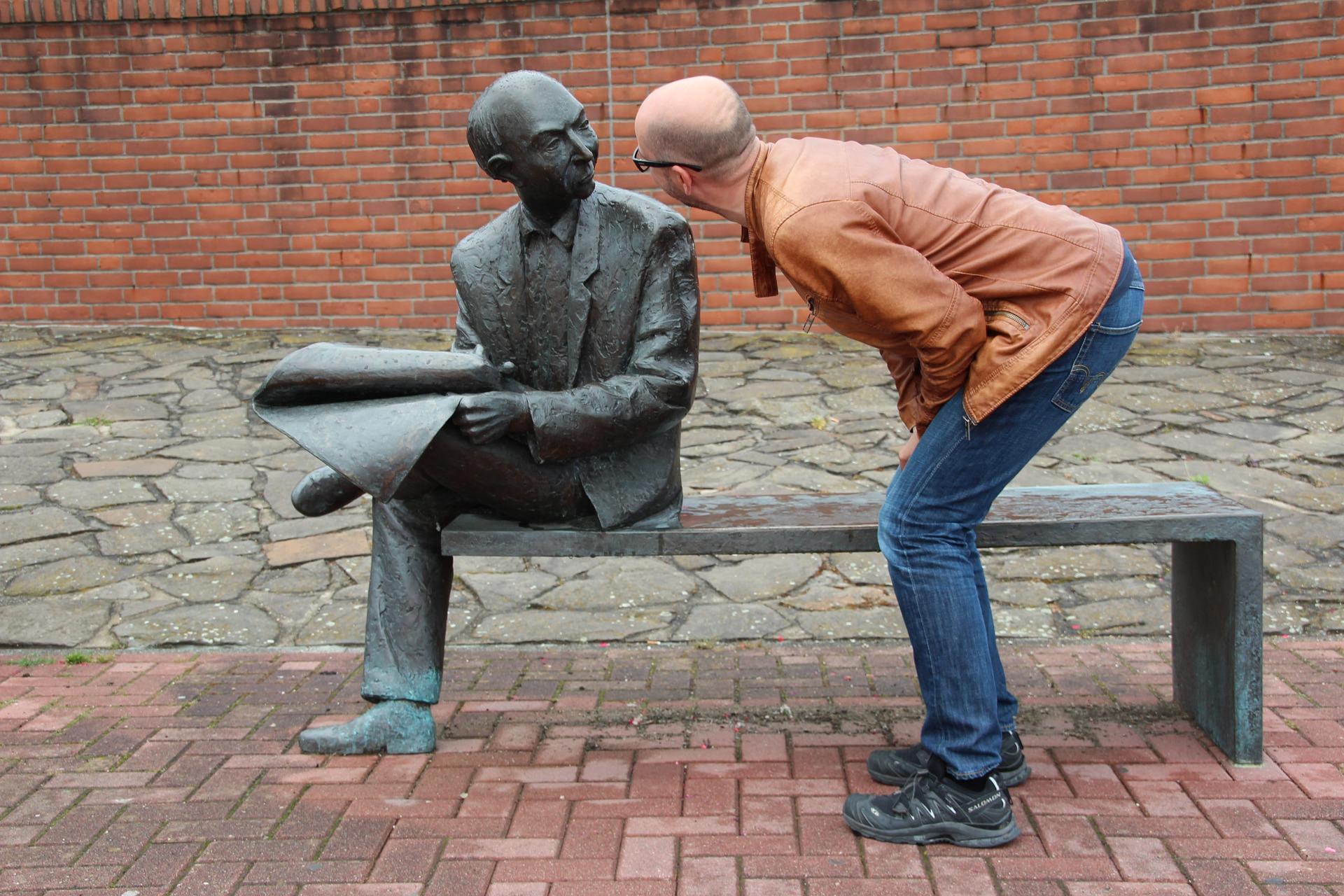 Как поддержать разговор с новыми знакомыми?